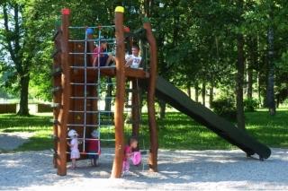 Dětské hřiště v Jablonci nad Jizerou